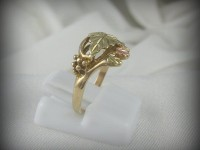 10kt Black Hills Gold Ring with 12kt Leaves