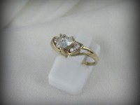 10kt Gold Ring with Heart Aquamarine and Diamonds