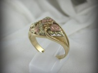 10kt Black Hills Gold Ring
