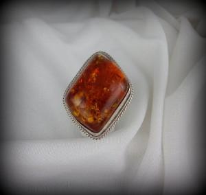 Amber Ring RJ2174