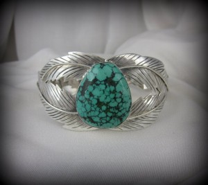 Faceted Turquoise Bracelet BA11013