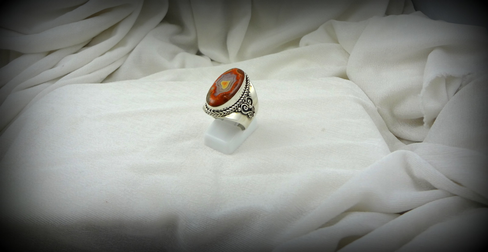 Oval Teepee Canyon Agate Ring